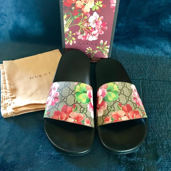 36afa653a8f2 Gucci Shoes - Gucci GG Blooms Supreme Sandal Slide Authentic 42